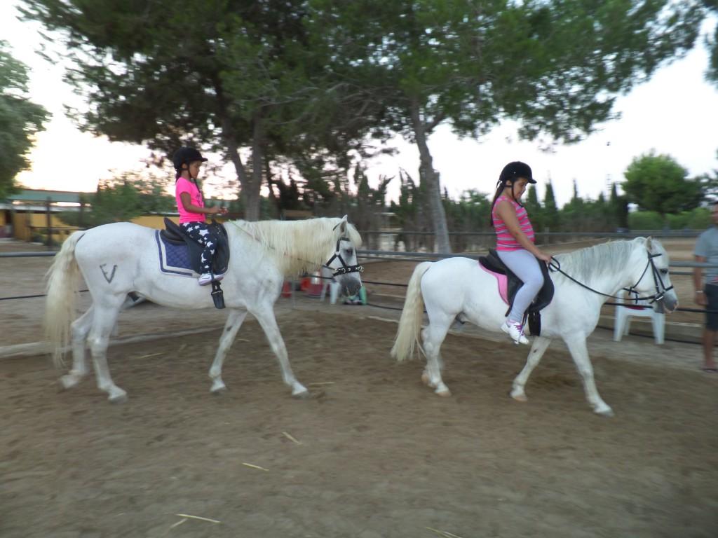 Paula y Lara, julio 2015